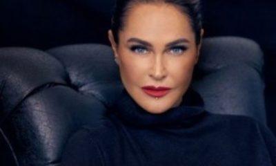 Hülya Avşar'dan Sharon Stone pozu