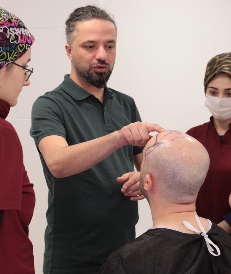 Dr. Bilgehan Aydın açıkladı: 'Saç ekimi değil, saç nakli'
