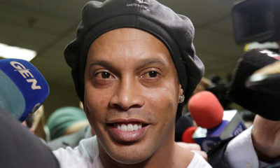 Brezilyalı futbol efsanesi Ronaldinho, 40. yaşına hapiste girdi!