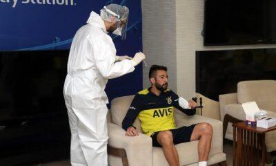 Fenerbahçe'de antrenman öncesi corona virüs testi