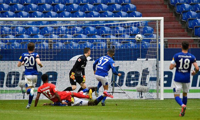 Schalke 0-3 Augsburg