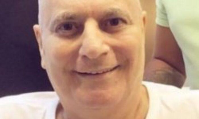 Mehmet Ali Erbil, saçlarını kestirdi
