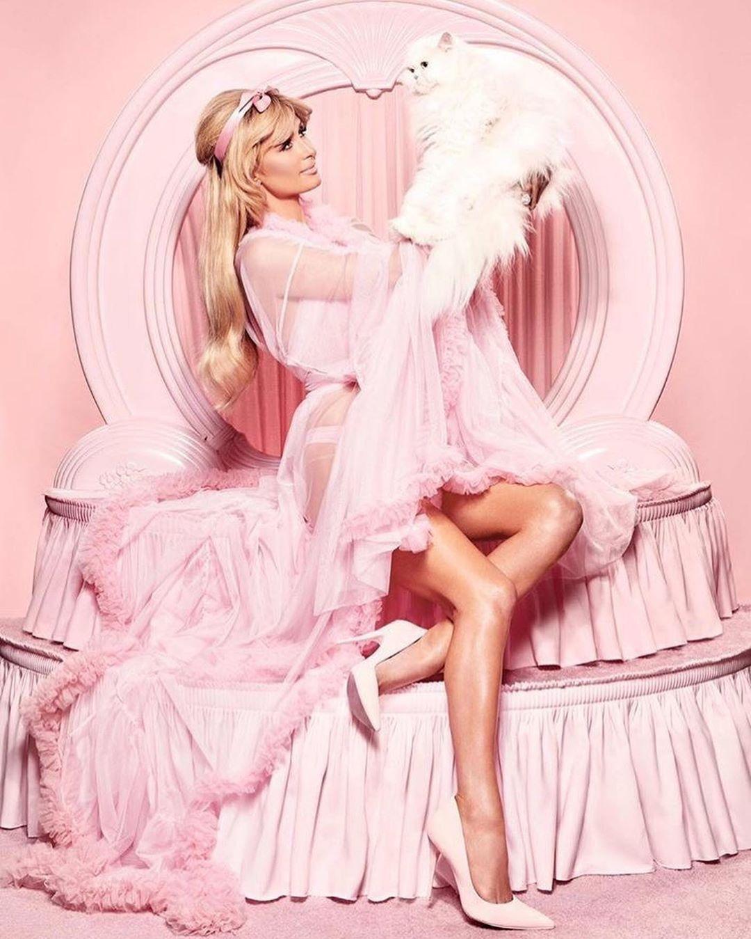 Paris Hilton: Gerçekte benim kim olduğumu bilmiyorsunuz #1