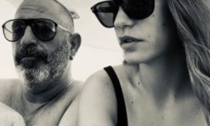 Cem Yılmaz ile Serenay Sarıkaya'dan barışma fotoğrafı