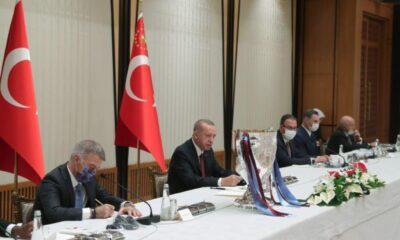 Cumhurbaşkanı Erdoğan, Trabzonspor yönetimi ve futbolcularını kabul etti