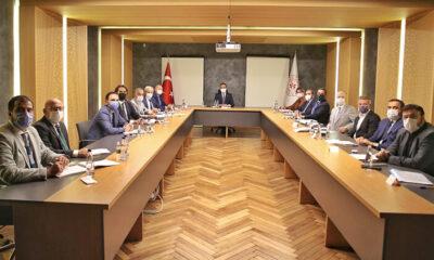 Gençlik ve Spor Bakanı Mehmet Muharrem Kasapoğlu, TFF ve bazı kulüp yöneticileriyle bir araya geldi