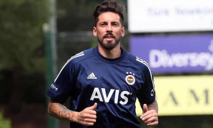 Fenerbahçe'nin yeni transferi Jose Sosa özel program dahilinde çalıştı