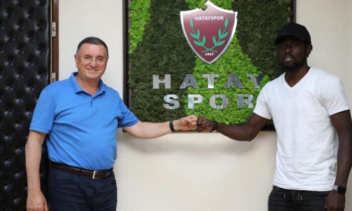 Son Dakika   Hatayspor Stoke City'den Mame Diouf'u transfer etti!