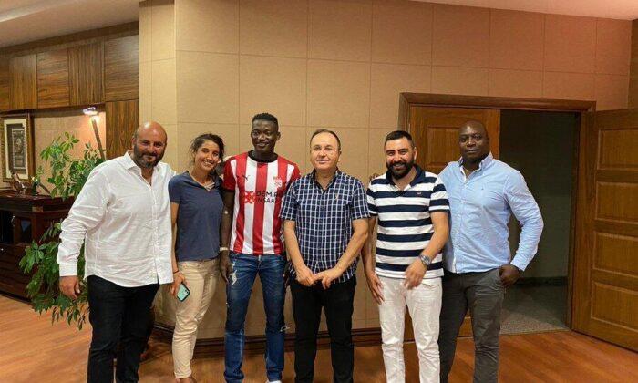Son dakika   Sivasspor, Angers'den Casimir Ninga'yı transfer etti