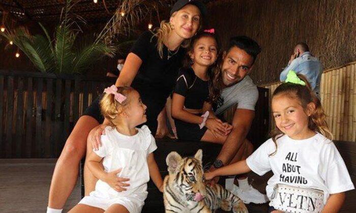 Galatasaraylı Radamel Falcao, ailesiyle birlikte Aslan Parkı'nı gezdi