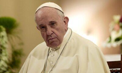 Papa Francis'in Instagram hesabından dünyaca ünlü modele 'beğeni'