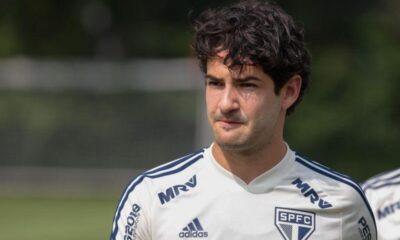 Süper Lig takımlarının transfer gözdesi Alexandre Pato, boşta kaldı!