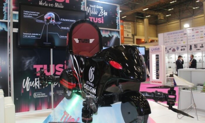Uçan araba Tusi güçlendirilen yapısı ve yeni tasarımıyla MÜSİAD'da