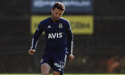 Fenerbahçe'de Beşiktaş derbisi öncesi Gökhan Gönül takımla çalıştı