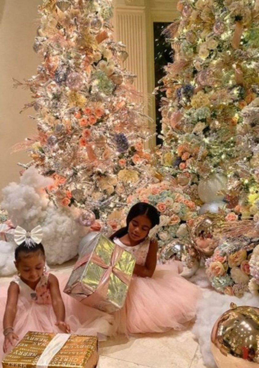 Cardi B.'den kızına bin dolarlık oyuncak bebek