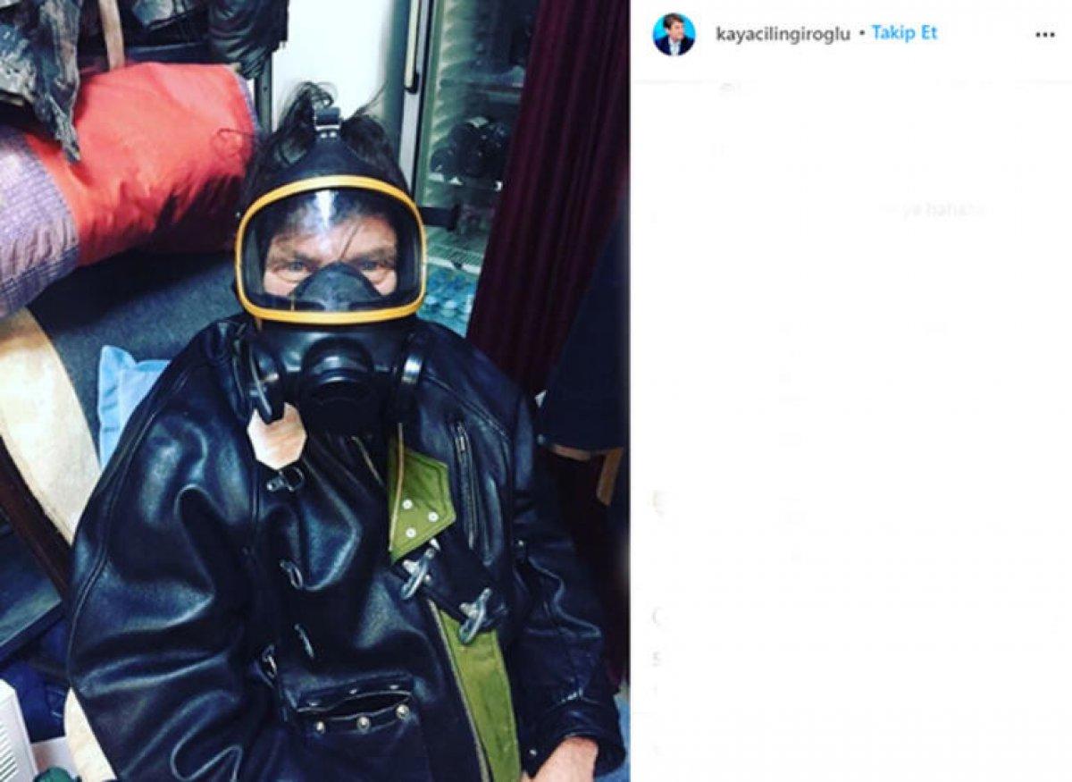 Kaya Çilingiroğlu gaz maskesi taktı #1