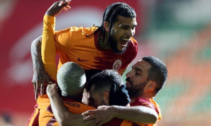 Galatasaray'da Fatih Terim 3 maç daha kazanırsa rekor kıracak!