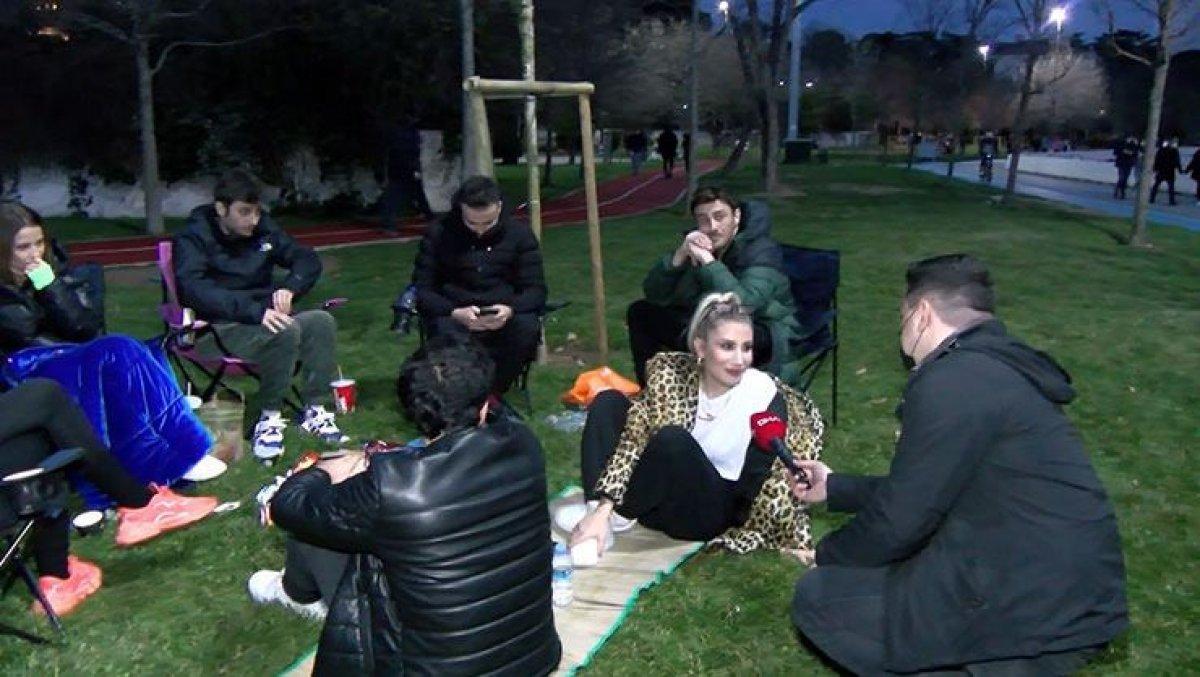 Maskesiz piknik yapan İrem Derici'ye para cezası kesildi