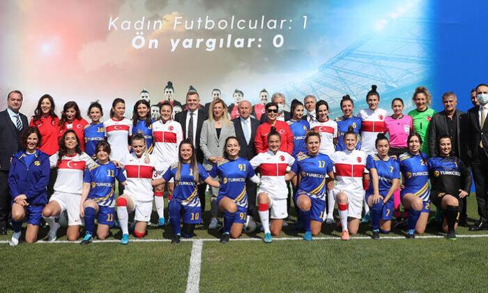 Kadın futbolu çağ atlayacak