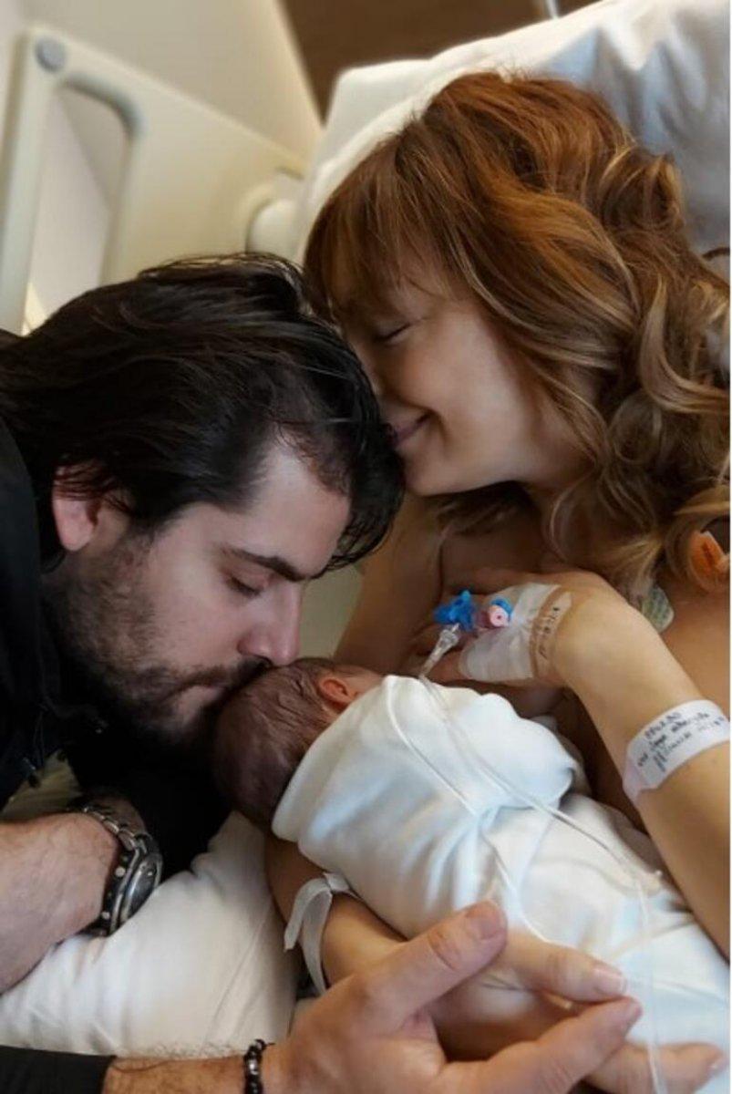 Özge Özder yeni doğan kızına sosyal medya hesabı açtı #1