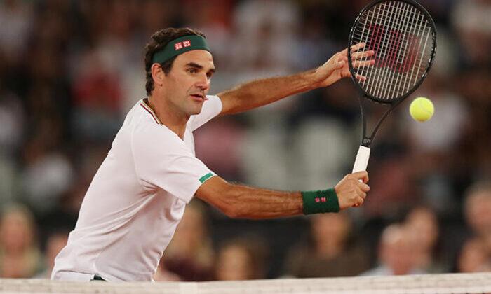 Roger Federer kortlara galibiyetle döndü