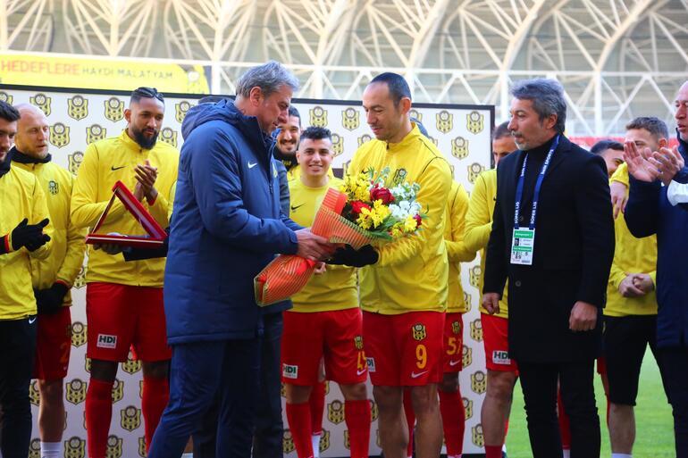 Umut Bulut, lig tarihinin en çok forma giyen futbolcusu oldu