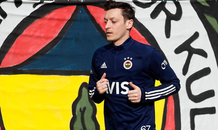 Fenerbahçe'ye Mesut Özil müjdesi! Sahaya indi