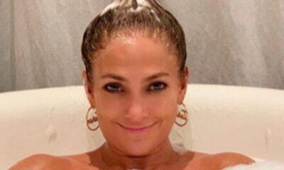 Jennifer Lopez'den küvet pozu