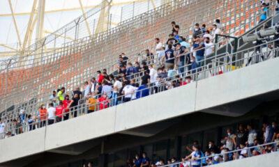 Adana Demirsporlu taraftarlar 'tam kapanma' dinlemeyip stada akın ettiler