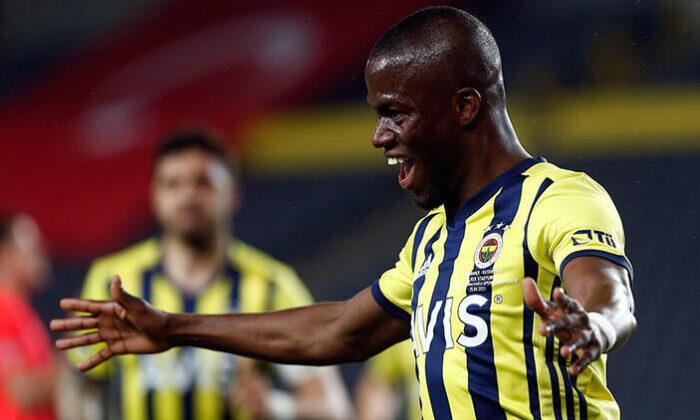 Fenerbahçeli Valencia sırrını açıkladı: Forvette daha mutluyum