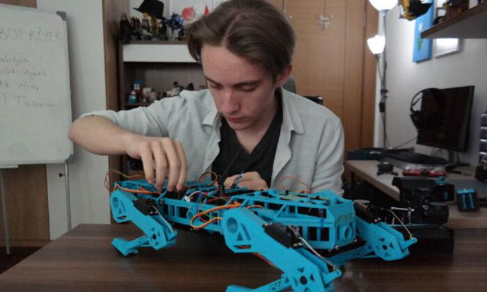 Lise öğrencisi geliştirdiği robot köpek ile TÜBİTAK yarışmasında Türkiye finalisti oldu