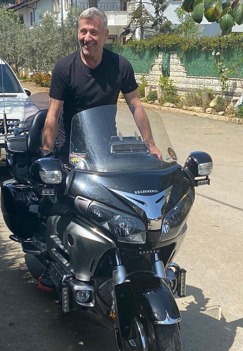 Metin Şentürk ten motosikletli poz #1